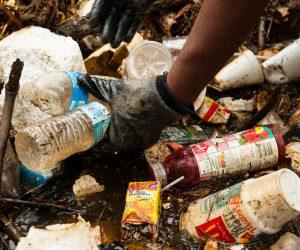 廢物再生 科學家成功把4號塑膠轉化為航空燃油